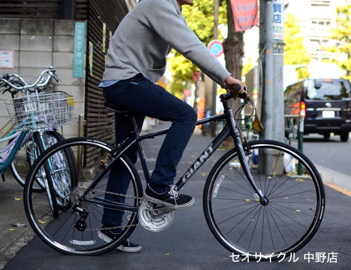 自転車の 自転車 ロードバイク タイヤ おすすめ : 写真は170CMの男性がまたがって ...